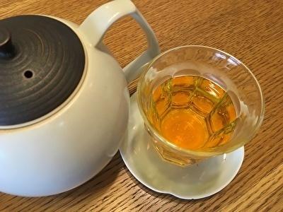 紅花茶と急須.jpg